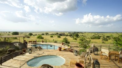 Pool with view over the Serengeti