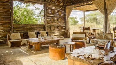 Kuro Camp lounge