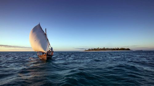 Fanjove Private Island - dhow sailing