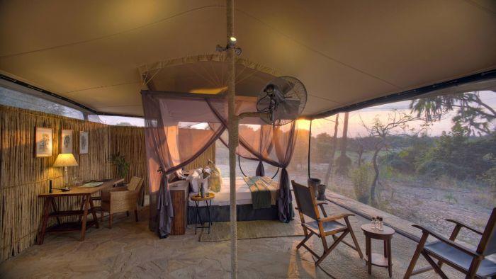 Roho ya Selous - double tent interior