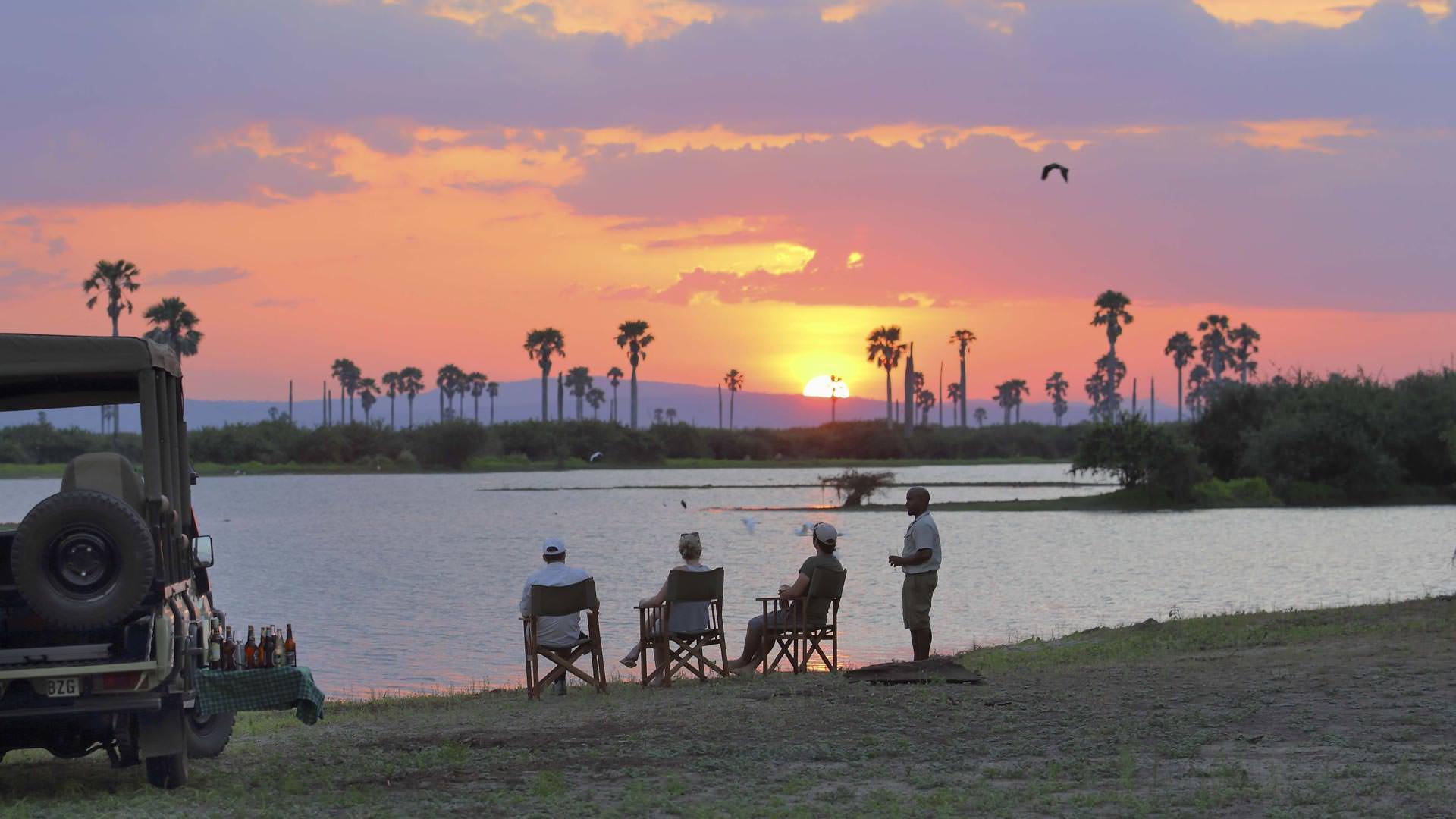 Roho ya Selous-Sundowners by the Rufiji River